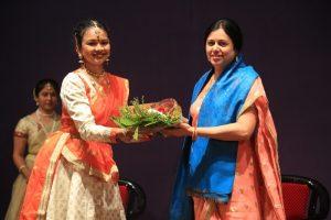 Ms. Vedant Bhagwat-Mahadik felicitating MLA Medha Kulkarni
