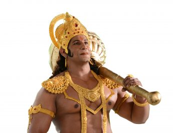 STAR Plus - Danish Akhtar listens to the Hanuman chalisa while working out