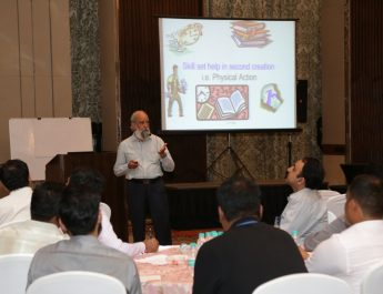 Prof Palhan - Prof - Operations Management - Great Lakes Institute of Management - Gurgaon while delivering the talk on self-effectiveness