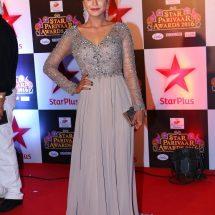 Anuja Sathe Rides a Sports Bike at Star Parivaar Awards