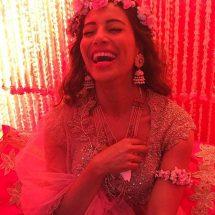 Bipasha Basu wears Jaipur Jewels for her Mehendi ceremony