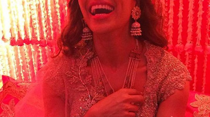 Bipasha for her Mehendi Ceremony - Latest