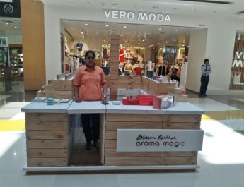 Blossom Kochhar Aroma Magic launches its first kiosk in Mumbai at R City Mall