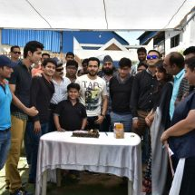 Azhar visits the sets of SAB TV's Badi Door Se Aaye Hai