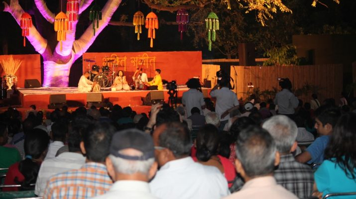 Harshdeep Kaur, Kumud Diwan among Singers on Second Day of Bhakti Sangeet Festival