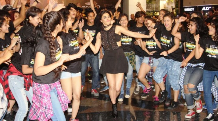 Jacqueline Fernandez at the flashmob - Housefull 3 song launch of Taang Uthake
