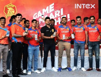 Suresh Raina launching Intex Lion 3G