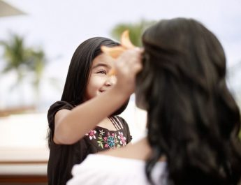 hyatt regency - hbm global - Child Woman