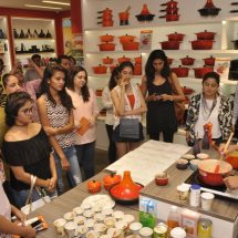 Le Creuset hosted a live cookout with Chef Michael Swamy at their Flagship store in Infinity Mall, Mumbai
