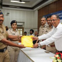 Dr.Fixit Assists Mumbai Traffic Police to Face Oncoming Monsoon