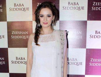 Evelyn Sharma in Minawala Jewellery - 3