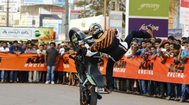 KTM Duke bikes - Stunt Show - Kakinada