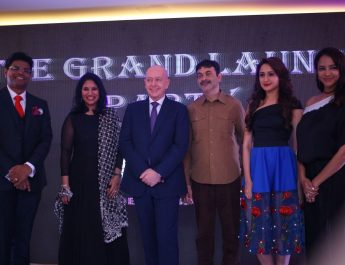 Mr Dinesh Rai - Ms Kavita Dutt - Mr Jean-Michael Casse - Mr Jayesh Ranjan - Ms Pragya - Ms Lakshmi Manchu at Grand launch of Mercure Hyderabad KCP