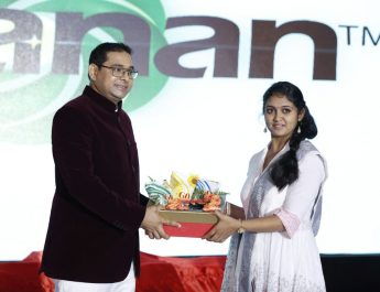 Nitin Jadhav Chairman and MD - Gajanan Group and Ms Rinku Rajguru - National award winner from Sairat Movie inaugurating Brand GO edible oil brand