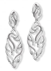 Platinum jewellery collection inspired by the fluidity of water 3