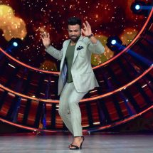 Rithvik's 'High Heels' dance on the sets of his dance show