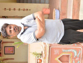 Umesh Shukla - Khidki