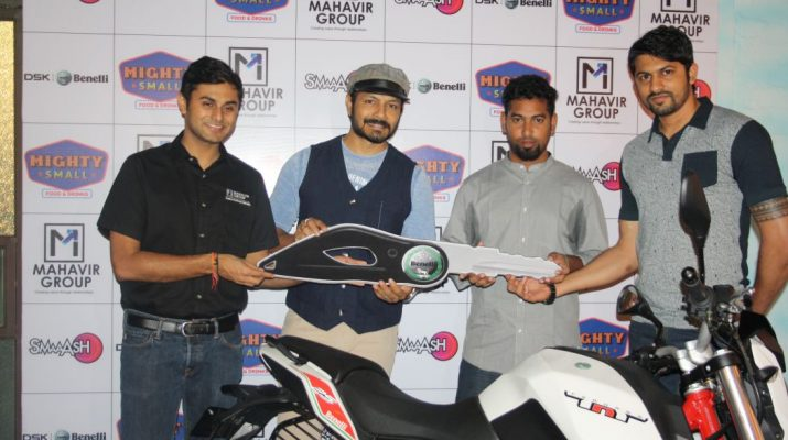 Actor Kaushal Manda gives Benelli bike to Avinash Israel - Ravi patel - Ravi Jhabak of Smaaash and Mahavir Motors