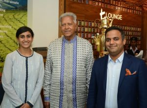 Franchise Owner Dilmah t Lounge Ashumi Jain with Dilmah Founder Mr Merrill J Fernando and Ashish Kumar Jain