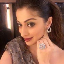 Laxmi Rai was recently spotted wearing Minawala jewellery