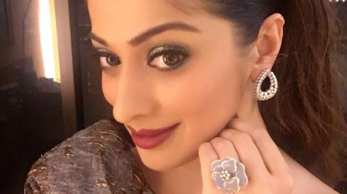 Laxmi Rai wearing Minawala Jewellery