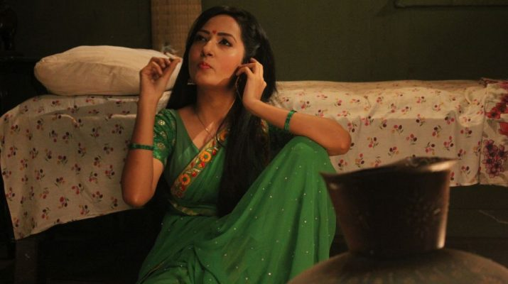 Puja Sharma smokes a cigarette for the first time for Mere Angne Mein 2