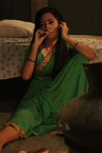 Puja Sharma smokes a cigarette for the first time for Mere Angne Mein