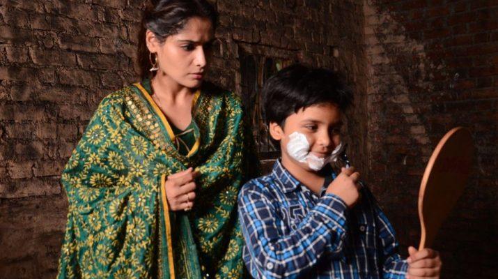 Saniya Taurquette and Aarti Singh as Manpeet and Amba in Waaris