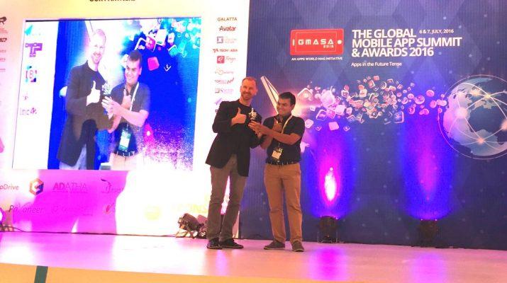 Vivek Agarwal of Frogo Receiving the Award