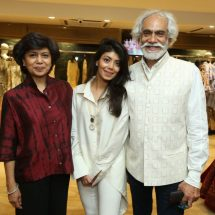 "Designer Reynu Taandon Presented ""KAMANGARI"" with Jewellery Partner Shri Ram Hari Ram Jewellers,Dariba Kalan"