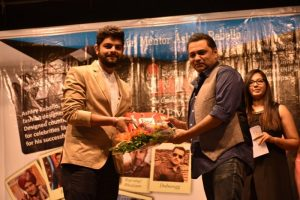 Ashish Khatri - Director - INIFD Deccan Felicitating Ashley Rebello
