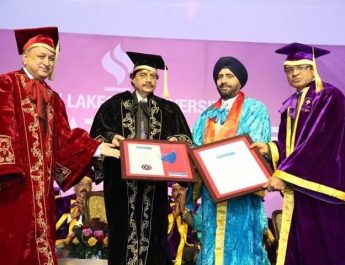 Gurmit Singh receiving honorary degree from JLU