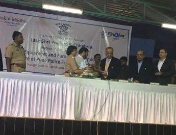 Prakash Chabbria - Finolex Industries facilitating Mrs Rashmi Shukla with additional medical equipment