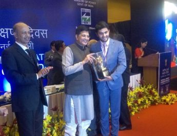 Videocons Akshay Dhoot receiving the National Energy Conservation Award 2016 from honorable Minister Piyush Goyal