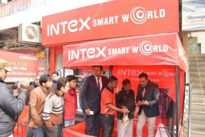 Vishal Malik - Head - Retail Intex addressing the crowd
