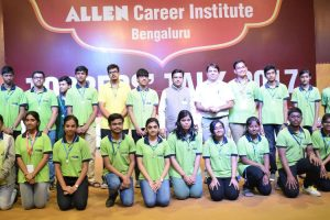 Bangalore Toppers with Director and VP of Allen Institute