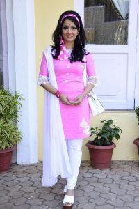 Jenal Belanis fan moment when she had to don a look similar to Deepika Padukone in Om Shanti Om 1