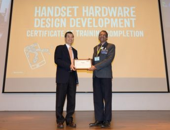 MediaTek Chairman Mr MK Tsai presenting certification of completion