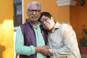 Rajendra Gupta as Babuji and Sumit Arora as Gomukh in Sony SABs Chidiyaghar