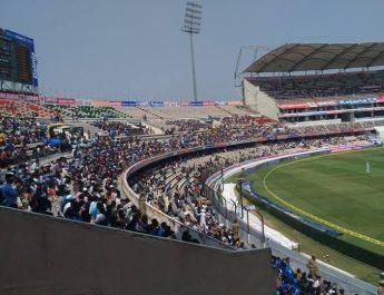 With 'JioNet' high speed Wi-Fi, watching Test Match at Uppal Stadium just got better!