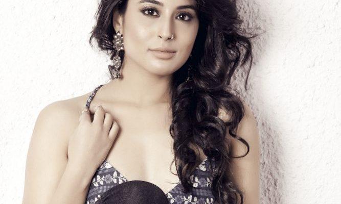 Kritika Kamra locked to play Chandrakanta on Life OK