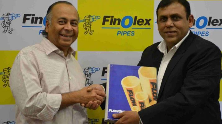 L to R Mr. Prakash Chhabria, Executive Chairman, Finolex Industries with Mr. Manish Jain, Director, Lurbrizol India.