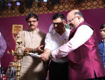 Candle Lighting with Pramod Dubey - Mayor Nagar Nigam - K K Nayak - managing Editor Dainik Bhaskar - Jiyo Dil Se Awards