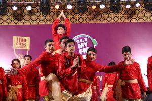 Children performing on Ganesh Vandana - Jiyo Dil Se Awards