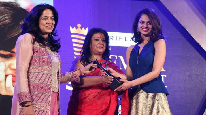 Designer Deepika Govind - artist Bipasha Gupta presenting the award to chess champion Tania Sachdev at Femina Power List Award North 2017
