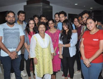 Saroj Khan with students of Whistling Woods International