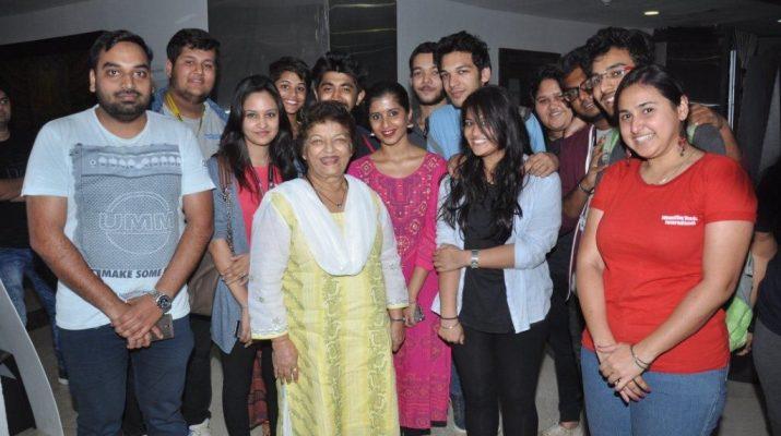 Saroj Khan with students of Whistling Woods International
