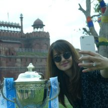 Delhi revels in the VIVO IPL 2017 trophy with Surveen Chawla