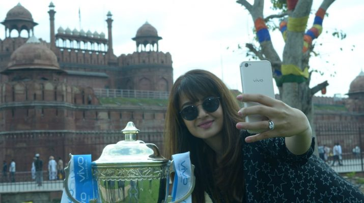 Surveen Chawla - VIVO IPL Trophy tour_Red Fort