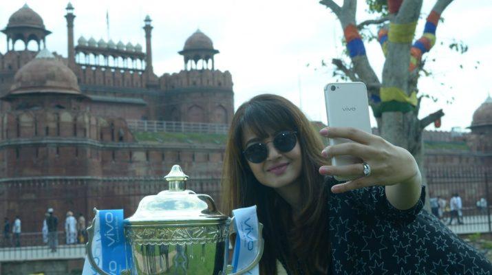 Surveen Chawla - VIVO IPL Trophy tour_Red Fort